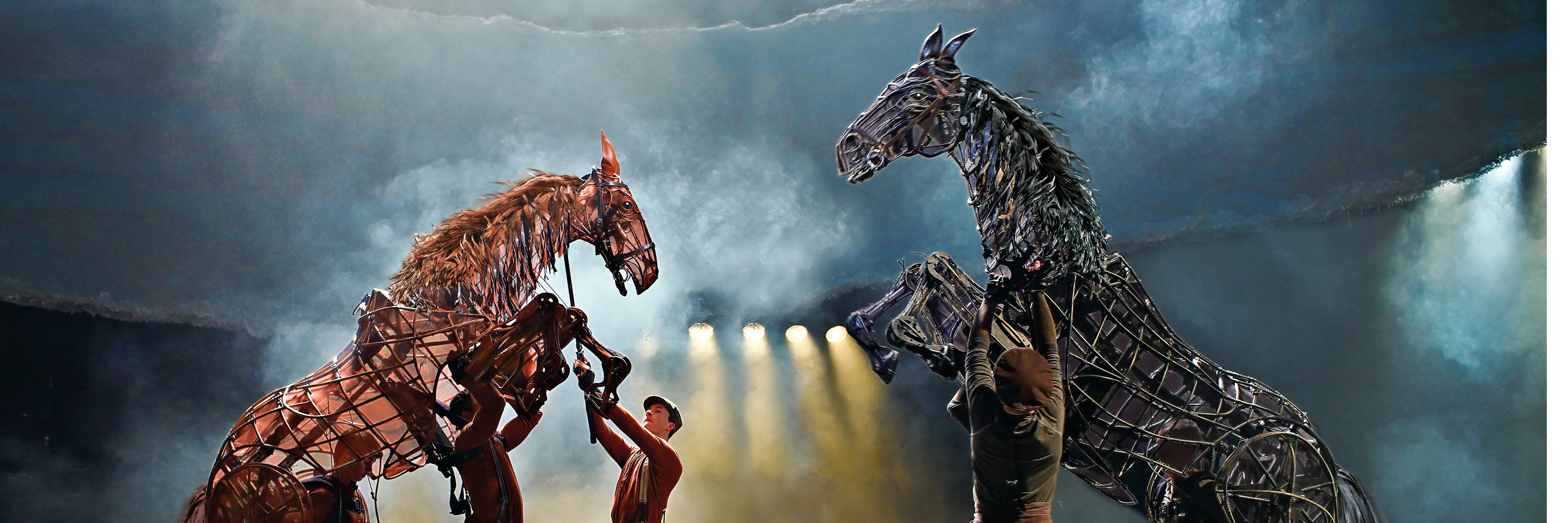 war horse paper The horse comes back into the poem at this stage as he is the symbol of war he is the powerful, invading force that we watch fearfully but hope will not impact on our lives.