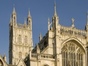 Gloucester_Cathedral_exterior_front