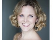 Elin Manahan Thomas - gold top_sml (c) AP Wilding Photography crop