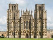 Wells_Cathedral_West_Front_Exterior,_UK_-_Diliff crop